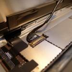 Az LCD és az érintőpanel alaplapi csatlakozói
