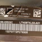 Gyári jelzések az LCD hátán