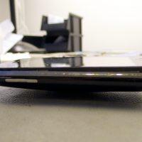 A telefon furcsán felpúposodott és a kijelző is kipattant a helyéről, felfúvódó akkumulátor