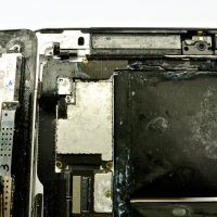 A vizsgált beázott iPad szervei, beázott iPad javítása