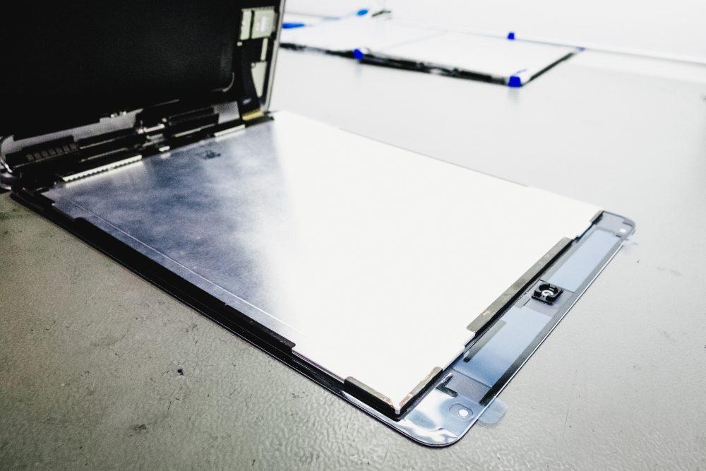 iPad Air 2 gyári ragasztása, iPad kijelző, iPad javítás, iPad kijelző csere