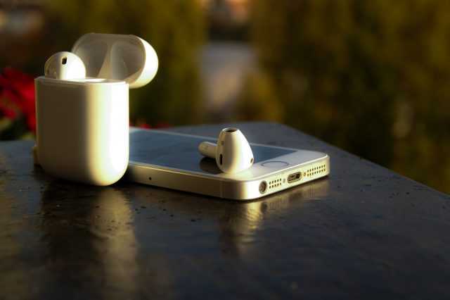 De hogy szól? Maradjak a jacknél? Apple Airpods fülhallgató teszt, Airpods teszt, vezeték nélküli fülhallgató teszt