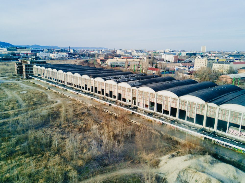 A Nagyvásártelep madártávlatból, egy Mavic-Pro-val fotózva. A 234 méter hosszú és 42 méter széles épület impozáns látványt nyújt kívül-belül.