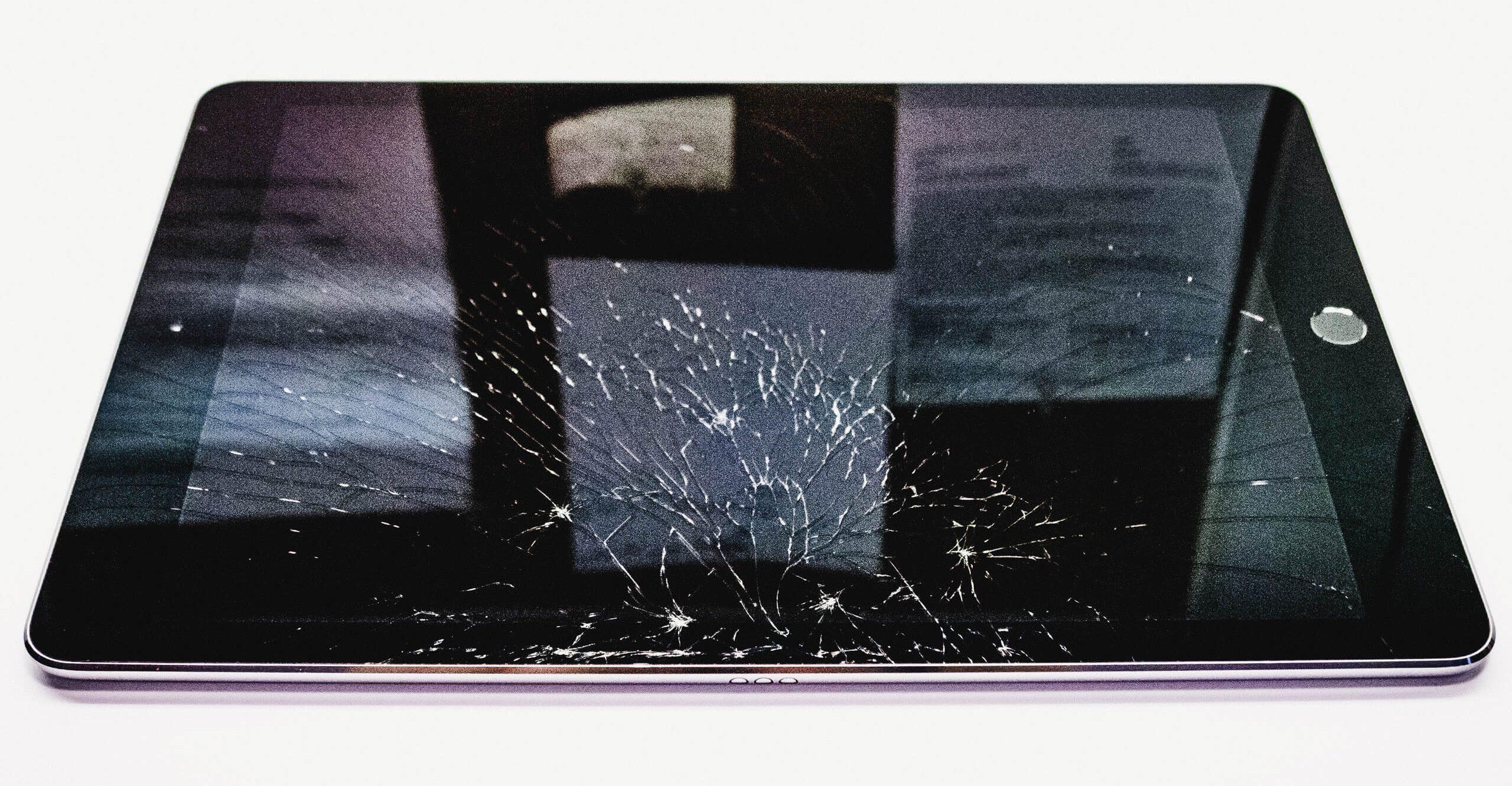 törött iPad kijelző – az iPad kijelzővédő fólia ezt is megelőzte volna