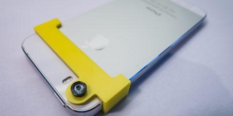A végleges adapter pont jó helyen tartja a lencsét, és minden gomb használható marad