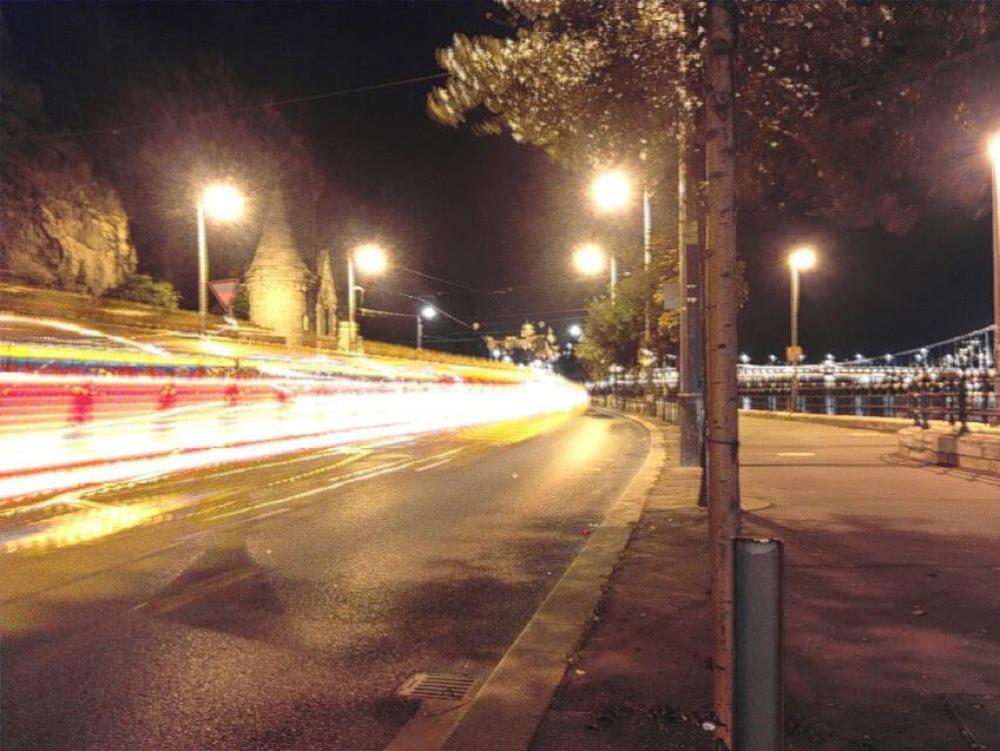 light trail hosszú expozíciós éjszakai fotó