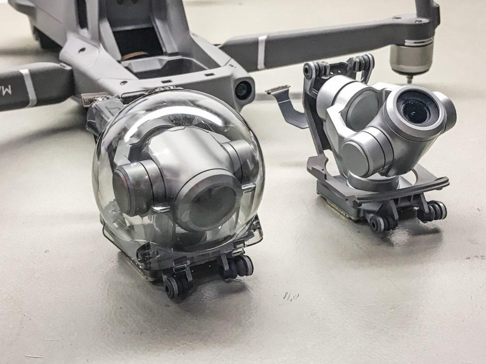 Az új és a sérült gimbal-kamera egység