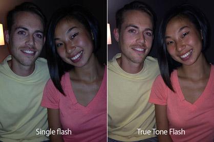 Bal oldalon a klasszikus vaku, jobb oldalon a True Tone vaku