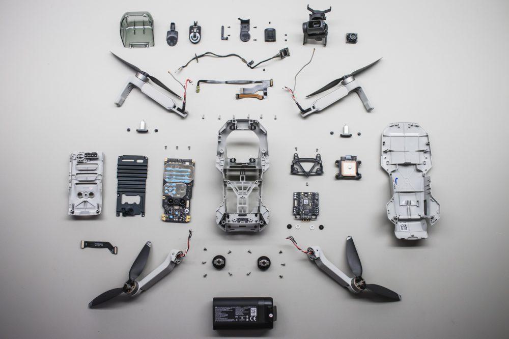 Az alkatrészeire bontott Mavic Mini, drón tetris challange