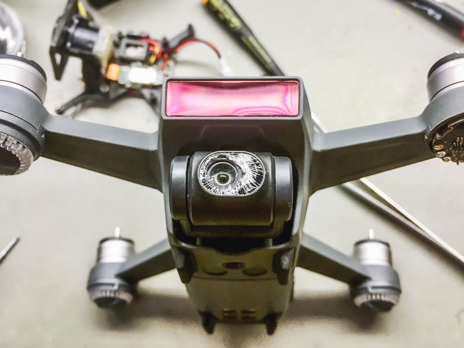 Még ennél is rosszabbul nézett ki a kameramodul, amikor megkaptam a drónt