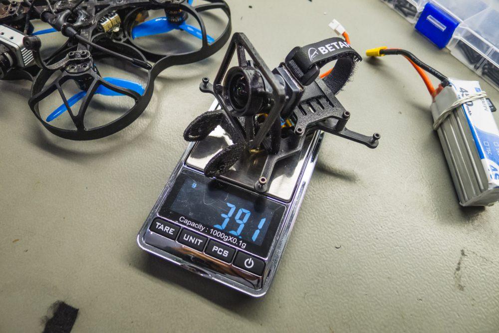 A meztelen GoPro teljes menetfelszereléssel is kevesebb, mint 40 gramm!