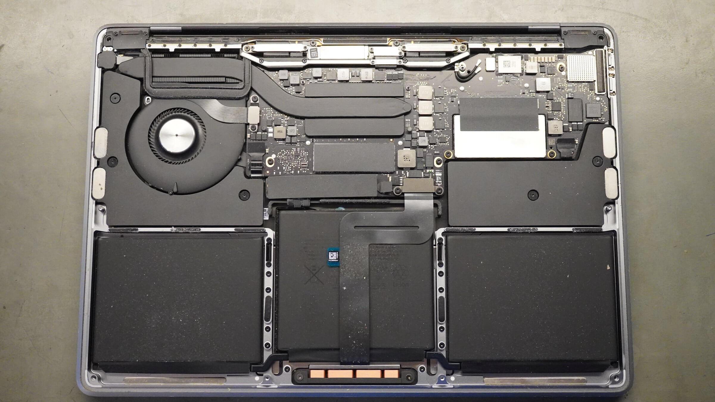 A MacBook Pro belülről